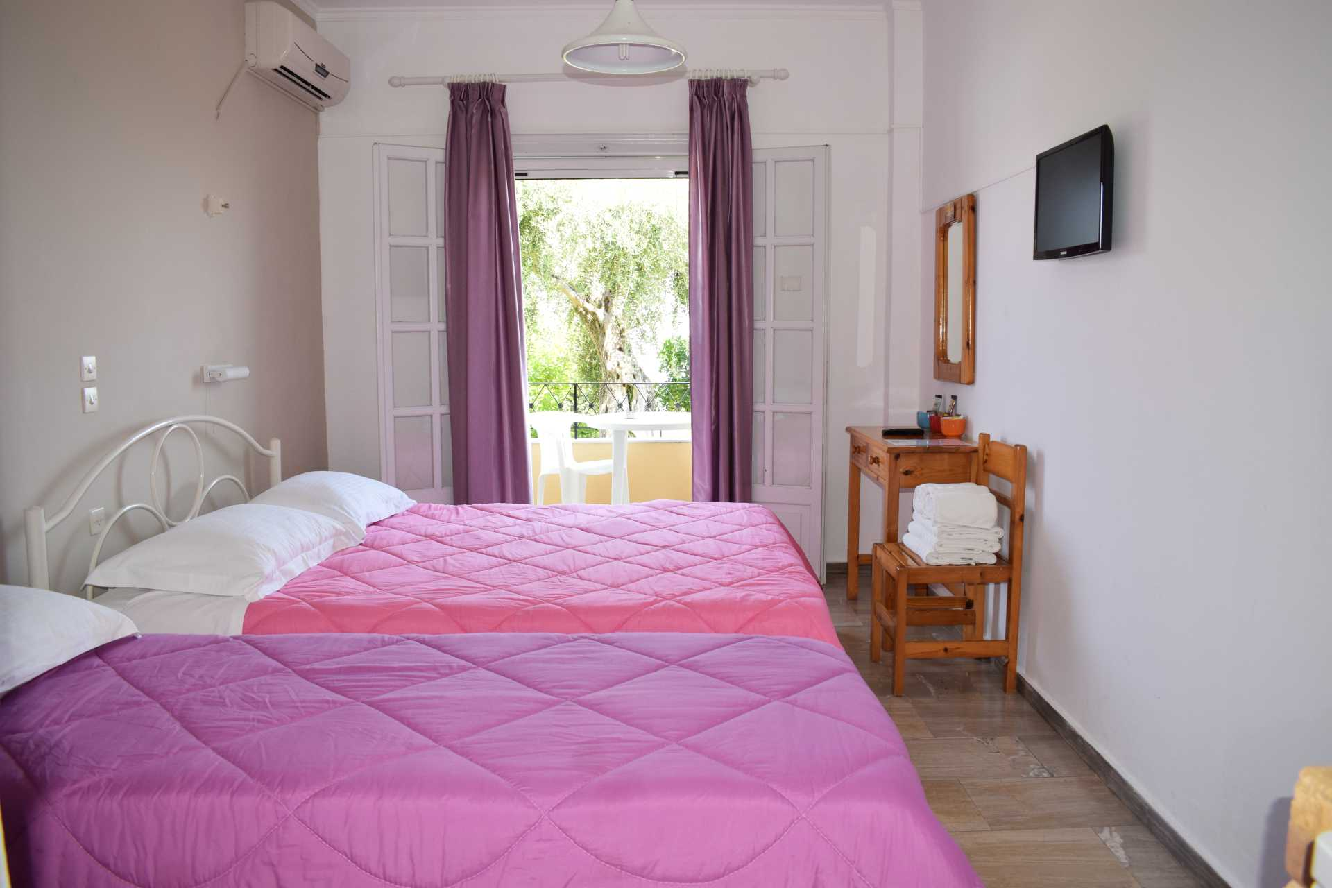 risingsun, apartments, studios, benitses, corfu, greece