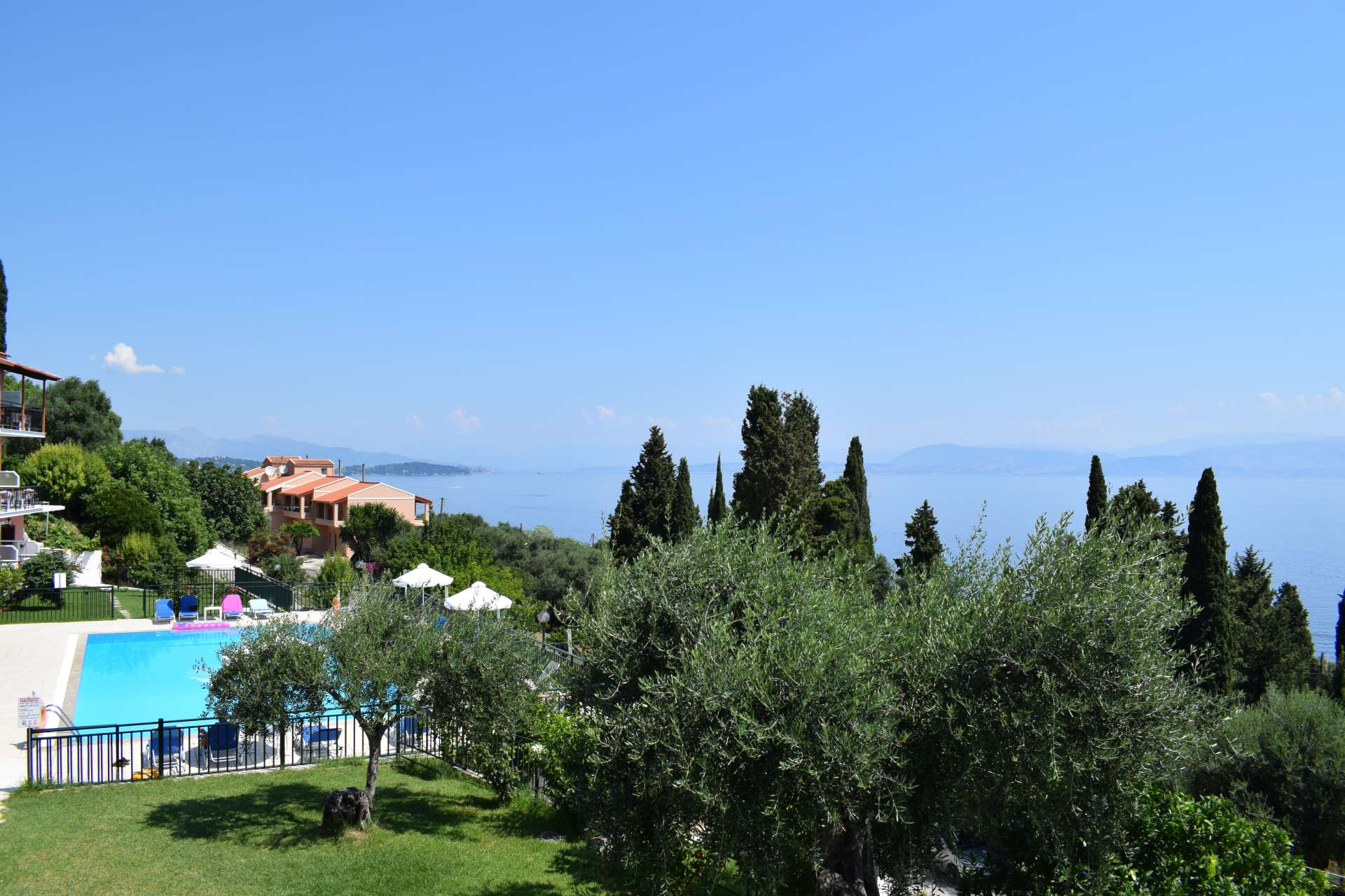 Rising Sun rooms hotel benitses corfu greece